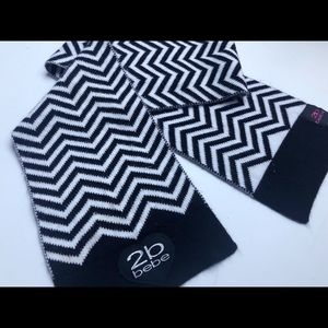 ✨📦SOLD📦✨Bebe Black and White Striped Scarf